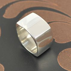 Buy handmade silver rings from Australia and overseas from our online shop. Use our ring sizing guide to help you and browse our unique jewellery. Silver Hoop Earrings, Silver Necklaces, Sterling Silver Jewelry, Gold Jewelry, Diamond Jewelry, Jewelry Box, Jewelry Bracelets, Cleaning Silver Jewelry, Cheap Silver Rings