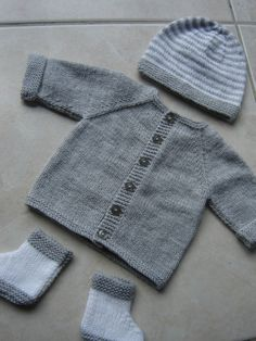 9 Tips for knitting – By Zazok Easy Baby Knitting Patterns, Baby Boy Knitting, Knitting Designs, Baby Patterns, Sewing Baby Clothes, Crochet Baby Clothes, New Baby Checklist, Baby Booties Free Pattern, Knitted Baby Cardigan