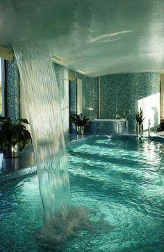 Amazing Pool - Just a dream. I LOVE indoor pools! Indoor Pools, Lap Pools, Romantic Bathrooms, Dream Bathrooms, Bathtub Dream, Luxury Bathrooms, Amazing Bathrooms, Romantic Bathtubs, Dream Shower