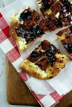 Authentic Suburban Gourmet: Bacon and Blueberry Jam Pizza