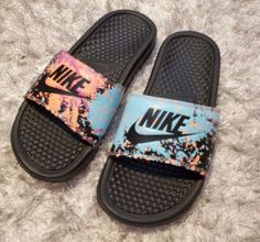 Nike Slides Multicolored black,coral,blue,pink and orange. Only worn once still in like new condition as shown. Emerald Green Shoes, Nike Slippers, Nike Sandals, Fresh Shoes, Hype Shoes, Coral Blue, Fashion Socks, Custom Shoes, Girls Shoes