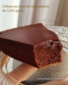 Cake with chocolate and mascarpone from C . - Cyril Lignac& chocolate and mascarpone cake is a wonderful treat! Sweet Recipes, Cake Recipes, Dessert Recipes, Burger Recipes, Mascarpone Cake, Mascarpone Recipes, Cupcake, Food And Drink, Cooking Recipes