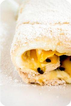 Pavlova Roll With Mango And Passion Fruit Recipe Aussie Food, Australian Food, Fruit Dessert, Dessert Ideas, Food N, Food And Drink, Passionfruit Recipes, Swiss Rolls, Bbq Ideas