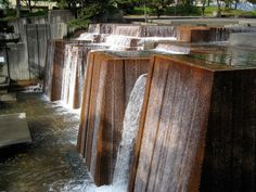 Ira Keller Fountain by Glennster