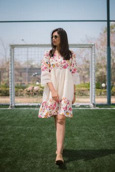 Western Dresses For Women, Stylish Dresses For Girls, Frocks For Girls, Dress Indian Style, Indian Fashion Dresses, Girls Fashion Clothes, Frock For Teens, Frock For Women, One Piece Frock