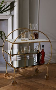 Pre-order your Luxe Round Bamboo Drinks Trolley for the beginning of April. Pre-order your Luxe Round Bamboo Drinks Trolley for the beginning of April. Bar Cart Styling, Bar Cart Decor, Bandeja Bar, Küchen Design, House Design, Design Ideas, Bar Deco, Gold Drinks, Drinks Trolley