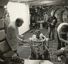 Behind the Scenes Pics from THE EMPIRE STRIKES BACK - Kenny Baker, aka in the man inside R2-D2
