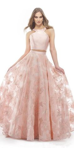 Prom Dresses Ball Gown, Two Piece Open Back Floral Embossed Evening Dress, from the ever-popular high-low prom dresses, to fun and flirty short prom dresses and elegant long prom gowns. Mint Bridesmaid Dresses, Gold Prom Dresses, Prom Dresses For Sale, Prom Party Dresses, Formal Evening Dresses, Sexy Dresses, Beautiful Dresses, Fashion Dresses, Prom Gowns