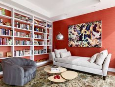 Red living room decor with swivel chair and daybed Red Living Room Decor, Living Room Colors, Cozy Living Rooms, Space Furniture, Colorful Furniture, Bedroom Wall, Bedroom Decor, Garage Bedroom, Living Pequeños