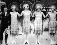 the flappers of the 1920s | In the 1920s a new women was born. She smoked, drank, voted and danced ...