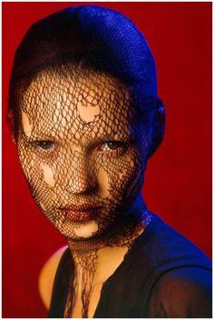 Kate Moss in a torn veil, 1993 photo: Albert Watson
