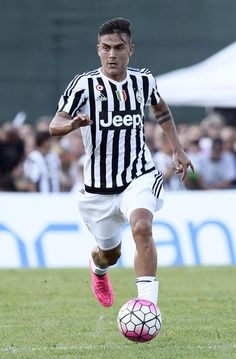 Paulo Dybala During Serie A Match Between Juventus V Cagliari In - Dybala hairstyle 2016