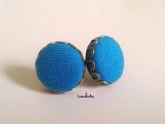 Pendientes Botón Azul. Pendientes botón por Laralarita en Etsy, €8.00