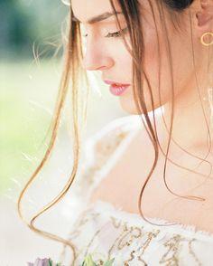 This shot of beautiful Katia warms my heart and make me dream bright sunny days. Summer is not far away ;) dress @katiadelatola jewelry @prigipo shoes @femmefanatique #weddingideas #bride #bridalbouquet #weddingdress #bridesmaidsdresses #fashiondesign #weddingflowers  #bridal #weddinginspiration #weddingdress #weddingshoes #portrait #destinationwedding #destinationweddingphotographer #greece #mykonos  #weddingphotographer #weddingingreece #Santorini #destinationphotographer…