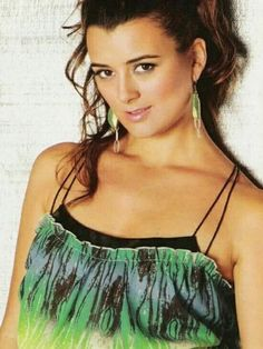 Photo of Latino Future Magazine for fans of Cote de Pablo 7071934 Ziva David, Beautiful Celebrities, Beautiful Actresses, Beautiful People, Beautiful Women, Michael Weatherly, Carlos Ponce, Ncis Tv Series, Ncis Cast
