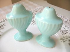 Vintage Aqua Salt and Pepper Shakers by Vintagegirlsfinds on Etsy