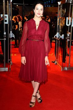 Jessica Brown Findlay at the War Horse UK premiere - celebrity fashion
