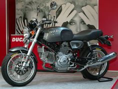 This a picture of 2010 Ducati SportClassic GT 1000 7