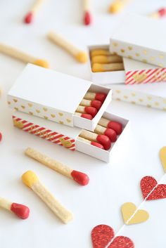 Make Matchstick Cookies This Valentine's Day - Etsy Journal Sugar Cookie Icing, Royal Icing Cookies, Cupcake Cookies, Sugar Cookies, Sprinkle Cookies, Cookie Favors, Baby Cookies, Flower Cookies, Heart Cookies