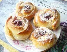 Rýchly, dobre vyzerajúci recept s ovocím. Doughnuts, Bagel, Recipies, Treats, Baking, 3, Hampers, Embroidery, Flowers