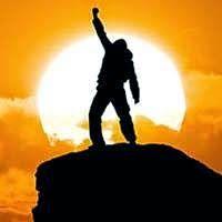 Doando Vida: Triunfar na vida ou continuar um reflexo. Triunfar na vida ou continuar um reflexo. Em um determinado dia resolvi triunfar na vida, deixar de ser um reflexo de meus pequenos feitos do passado e comecei a lutar com esforço consciente e eficaz, passei a ser luz no presente. Não existe um manual eficiente para triunfar na vida, tudo depende da superação dos limites que nós mesmos nos impomos. Só existe uma maneira de vencer na vida... Abraços e muita paz!!!