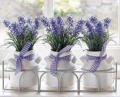 Centro de mesa con flores de lavanda