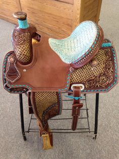 My dream saddle! Connolly Saddlery All Around Saddle Chocolate Leather, Painted Design, Turquoise Buckstitch, Turquoise Gator Bicycle Seat Roping Saddles, Barrel Racing Saddles, Barrel Saddle, Barrel Horse, Horse Saddles, Horse Halters, Western Horse Tack, Cowgirl And Horse, Horse Barns