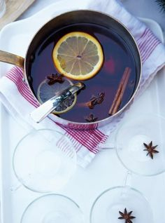 Ricardo's recipe: Mulled Spiced Cranberry Juice