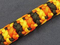 Crossbones bar paracord braclete