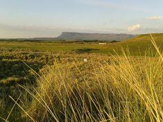 Rosses Point, dans le comté de Sligo, en Irlande !   #rossespoint #sligo #ireland #irlande #alainntours  © Esordel Les Suffragettes, Prison, Les Cascades, Point, Vineyard, Mountains, Nature, Travel, Outdoor