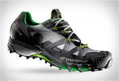 Dynafit are a brand with years of experience in Alpine products, they brought the same know-how to the MS Feline Gore-Tex Trail Running Shoe. The super-lightweight runner is a waterproof Gore-Tex version of their Feline Superlight shoe, it is equippe Best Hiking Shoes, Best Running Shoes, Trail Running Shoes, Hiking Boots, New Shoes, Men's Shoes, Shoe Boots, Gore Tex Running Shoes, Baskets