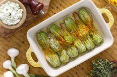 I fiori di zucca ripieni di speck e mozzarella sono deliziosi bocconcini ripieni di zucchine, ricotta, speck e mozzarella; una vera delizia!
