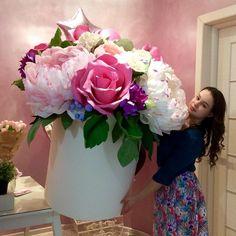 Цветов много не бывает😅#lipflowers#ростовыецветы #цветывкоробке #удивитьлюбимых#фотозоны