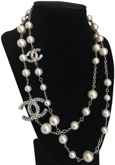 Chanel Silver Chain and Pearl Necklace - Tradesy Chanel Pearl Necklace, Pearl Necklace Designs, Chanel Jewelry, White Necklace, Pearl Jewelry, Vintage Jewelry, Silver Jewelry, Jewellery, Jewelry Accessories