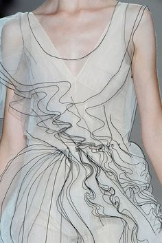 Delicate sheer ruffle dress with contrasting black stitched edges mimicking hand drawn lines; fashion details // Marc Jacobs looks like pencil lines from the sketch! Moda Fashion, Runway Fashion, Fashion Art, High Fashion, Fashion Show, Fashion Design, Fashion Line, Fabric Manipulation, Mode Inspiration