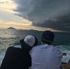 Meu amor por você vai além do horizonte, é mais profundo que qualquer oceano.  Gay   Tumblr    Pictures   Homossexuais   Orgulho LGBT   Love is love   A sós   Momentos  Incredible moments that are never forgotten <3  O amor constrói pontes indestrutíveis