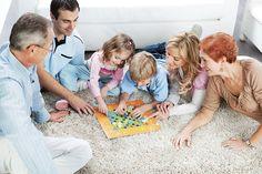 Tip to find balance: Allow uninterrupted time with the family. Avoid bringing work home. |  Truc pour une vie équilibrée : Évitez les interruptions dans le temps passé avec la famille et au travail. Évitez de ramener du travail à la maison.