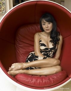 http://www.famous-people-nude.com/mrskin/yunjin-kim/yunjin-kim-008.jpg