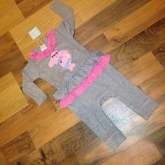 buy online at www.bestkeptsecretkids.com! Best Kept Secret, Girl Outfits, Bunny, Rompers, Free Shipping, Stuff To Buy, Clothes, Layette, Baby Clothes Girl