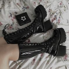 Aesthetic Grunge Outfit, Aesthetic Shoes, Aesthetic Clothes, Pretty Shoes, Cute Shoes, Me Too Shoes, Egirl Fashion, Fashion Shoes, Heeled Boots