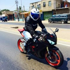 #tbt Vía a piritu con los panas vuelta dominguera con mi #cbr1000rr #biker #bike #bikers #bikergirls #bikerboys #racing #venezuela #bikeranz #honda #yamaha #ducati #suzuki #kawasaki #enalta #bikerofinstagram #race #motogp #l4l #likeforlike #like4like #life #bikerlife #motorcycle #worldwide #phorography #TagsPorMeGustas by danladera