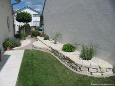 Garten - Trockenmauer - Naturstein - Hochbeet aus Jura Kalk Stein - rock wall