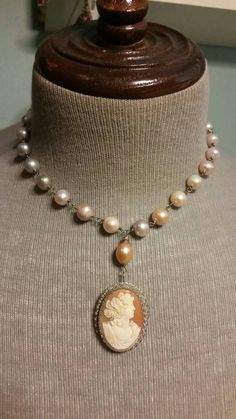 If you want to buy or collect vintage costume jewelry, learn what to look for and where to look. There is something for who is interested in vintage jewelry. Clean Sterling Silver, Sterling Silver Jewelry, Antique Jewelry, Vintage Jewelry, Vintage Necklaces, Antique Rings, Jewelry Necklaces, Jewelry Sets, Jewelry Making