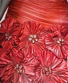 Valentino Haute Couture ~ Detail