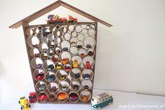 Garaż DIY z kartonu