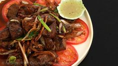 Hi guys! Today I'm going to share how to make Bo luc Lac, Vietnamese wok-seared steak- Shaking Beef! If you love beef/steak, this is definitely a must try! So flavorful… asian cooking Curry Recipes, Asian Recipes, Beef Recipes, Asian Foods, Vietnamese Recipes, Vietnamese Cuisine, Riblets Recipe, Bulgogi Recipe