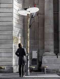 """Mathieu Lehanneur, diplômé de l'ENSCI conçoit """"Clover"""", une collection de mobilier urbain pour l'éclairage, la pause et la recharge."""