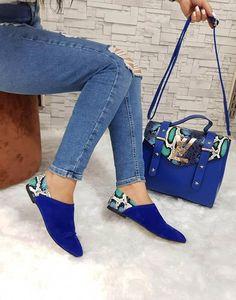 Louis Vuitton in 2020 Fashion Bags, Fashion Shoes, Womens Fashion, Cute Shoes, Me Too Shoes, Louis Vuitton Handbags, Beautiful Shoes, Designer Shoes, Shoe Boots