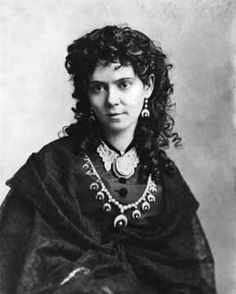portrait of sculptress Vinnie Ream, taken by Matthew Brady. Ream created the Lincoln statue in the Capitol rotunda and the statue of Cherokee chief Sequoya, as well.