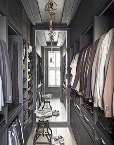 carlitos closet
